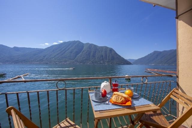 Balcony views & al fresco dining