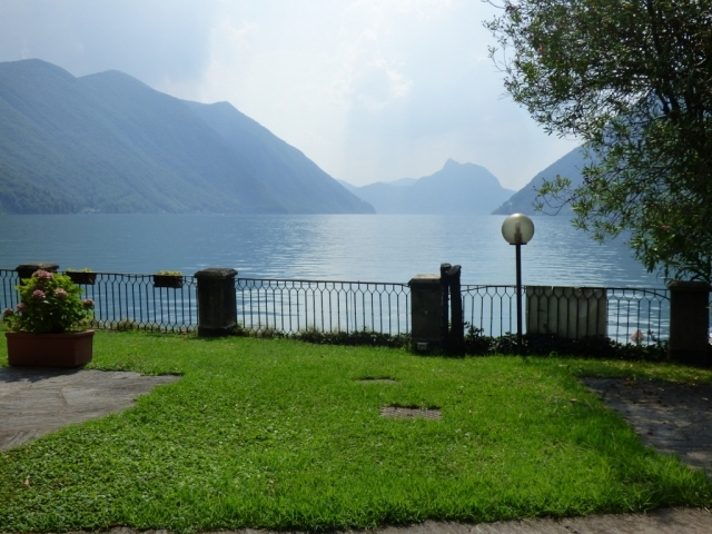 Villa Fronte Lago - San Mamete (1)