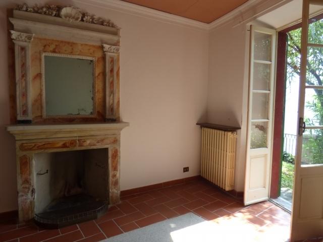 Villa Fronte Lago - San Mamete (11)