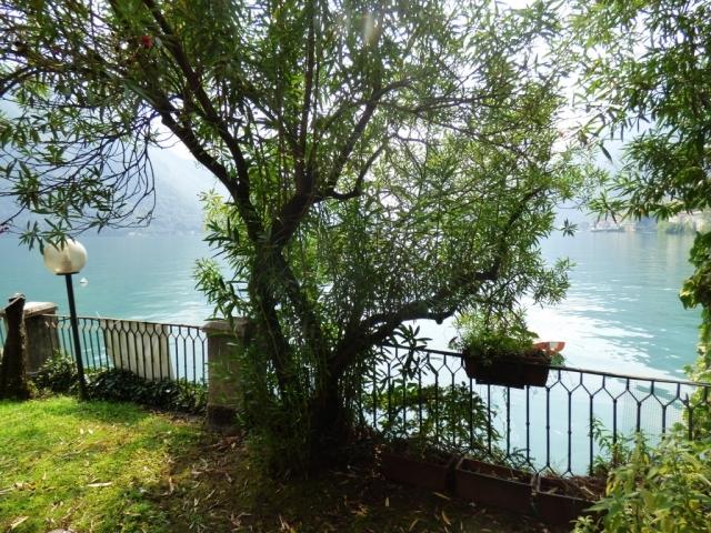 Villa Fronte Lago - San Mamete (12)