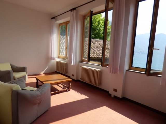 Villa Fronte Lago - San Mamete (26)