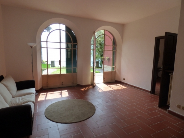 Villa Fronte Lago - San Mamete (3)