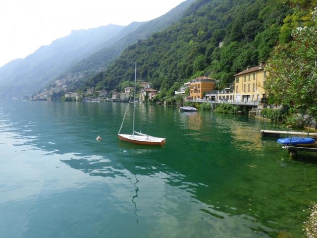 Villa Fronte Lago - San Mamete (33)