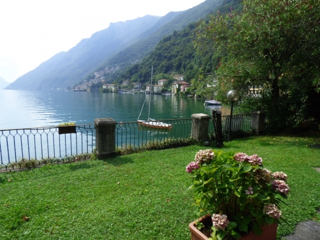 Villa Fronte Lago - San Mamete (38)