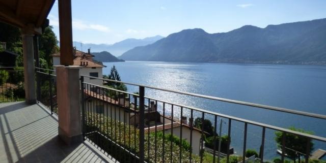 Sala-Comacina-Tremezzina-Villetta-con-piscina-e-vista-lago-MC085-26-770x386