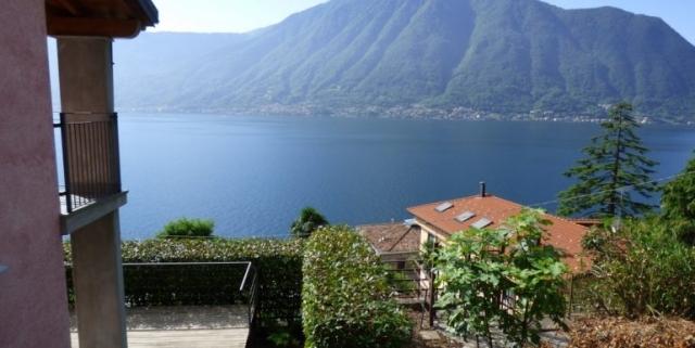 Sala-Comacina-Tremezzina-Villetta-con-piscina-e-vista-lago-MC085-6-1-770x386