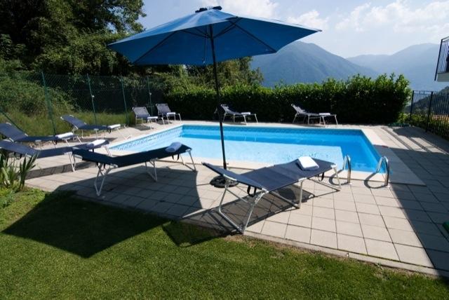 stunning 4x7m pool & spacious sun deck