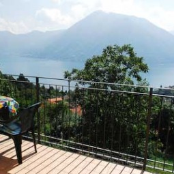 Special offer Lake Como apartments with pool
