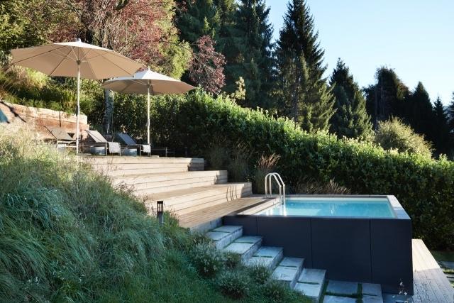 stunning pool and sun deck
