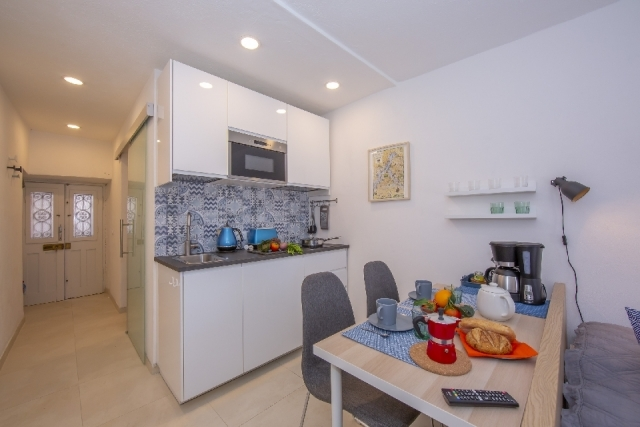 fitted kitchen and dining