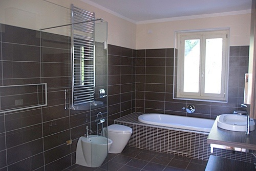 st floor ensuite with bath & shower