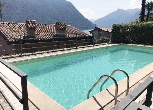 piscina-condominiale-1024x738