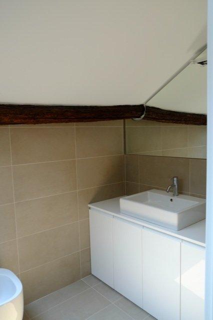 eaves bathroom